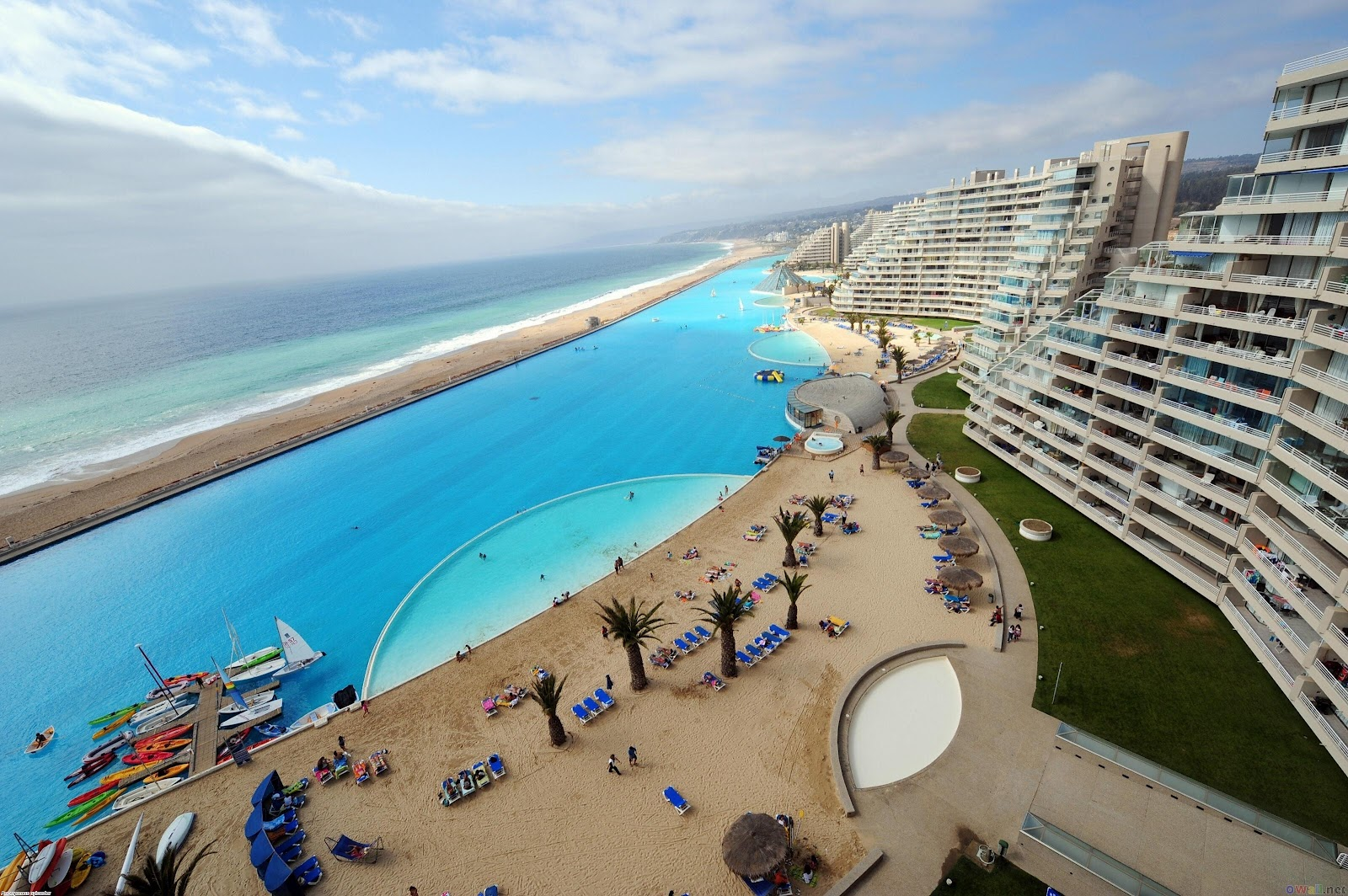 world-largest-outdoor-swimming-pool-san-alfonso-del-mar-14