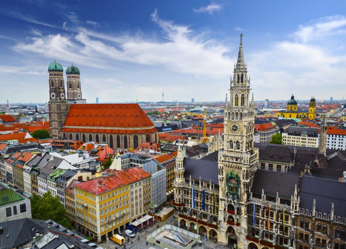 Lipsia è un importante centro culturale e commerciale, con un peso storico non indifferente. E' passata alla storia, infatti, come Stadt der Helden
